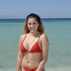 Ivana Icardi en la playa en la foto oficial de 'Supervivientes 2020'
