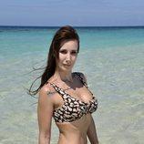 Fani Carbajo en la playa en la foto oficial de 'Supervivientes 2020'
