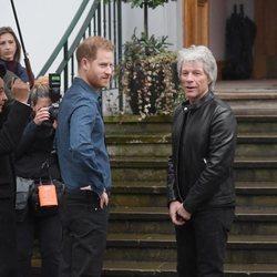 El Príncipe Harry y Jon Bon Jovi en los Abbey Road Studios