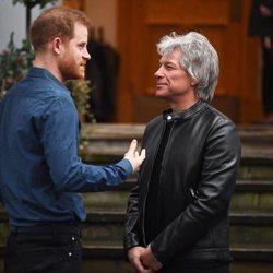 El Príncipe Harry y Jon Bon Jovi