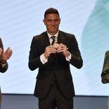 Joaquín Sánchez con su Medalla de Andalucía 2020