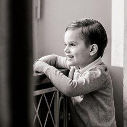 Oscar de Suecia en su 4 cumpleaños