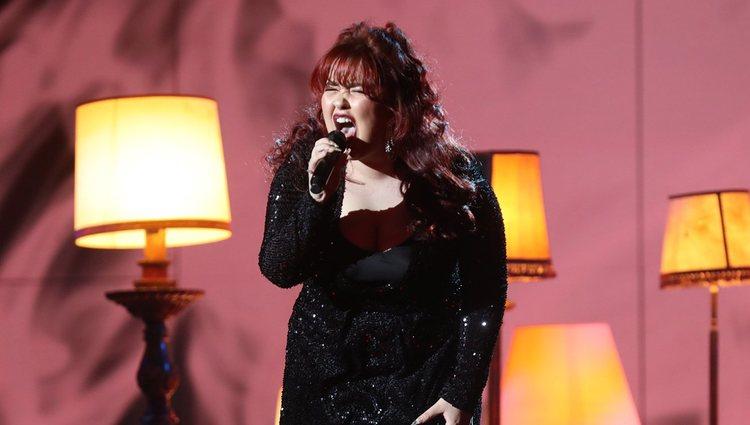 Ariadna presentado su single 'Al santo equivocado' durante la gala 7 de 'OT 2020'
