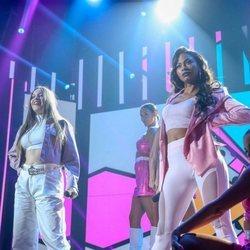 Eva y Nía cantando 'Don't Start Now' durante la gala 7 de 'OT 2020'