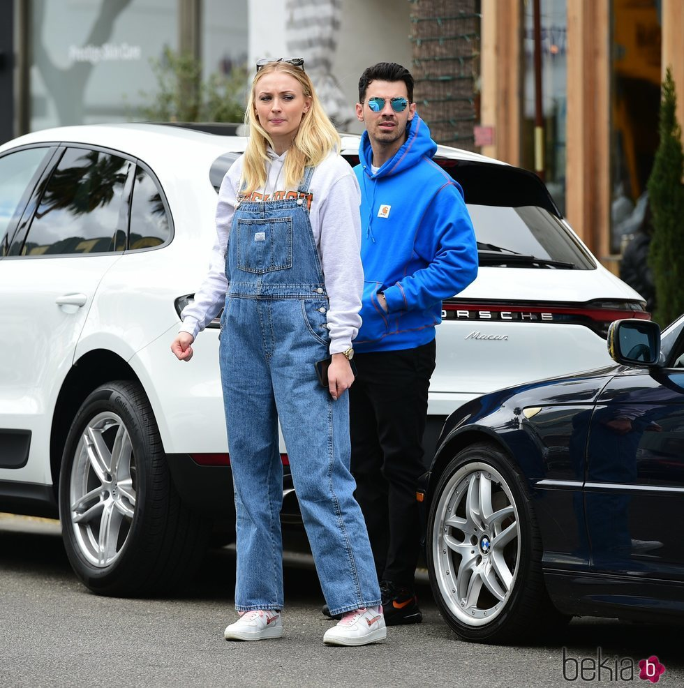 Sophie Turner pasea su embarazo junto a Joe Jonas