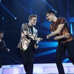 Gèrard y Flavio cantando 'Never Gonna Give You Up' durante la gala 7 de 'OT 2020'