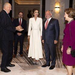 Harald y Sonia de Noruega, muy divertidos junto a Abdalá y Rania de Jordania en la Visita de Estado de los Reyes de Noruega a Jordania