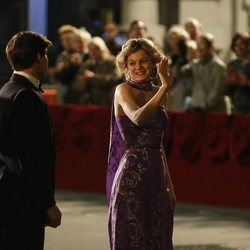 Emma Corrin interpretando a Lady Di en The Royal Opera House en la cuarta temporada de 'The Crown'