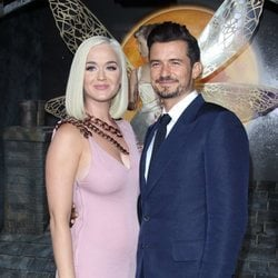 Katy Perry y Orlando Bloom en la premiere de 'Carnival Row' en Los Ángeles