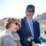 Harald y Sonia de Noruega atienden a la prensa en Petra