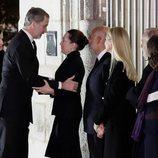 Los Reyes Felipe y Letizia dan el pésame a los familiares de Plácido Arango
