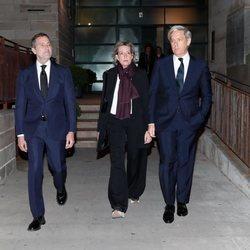 Simoneta Gómez-Acebo con James Costos y Michael Smith en el funeral de Plácido Arango