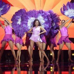 Nia Peeples cantando en la gala 8 de 'OT 2020'