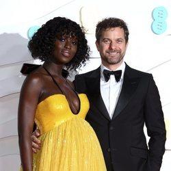 Joshua Jackson y Jodie Turner-Smith en los BAFTA 2020
