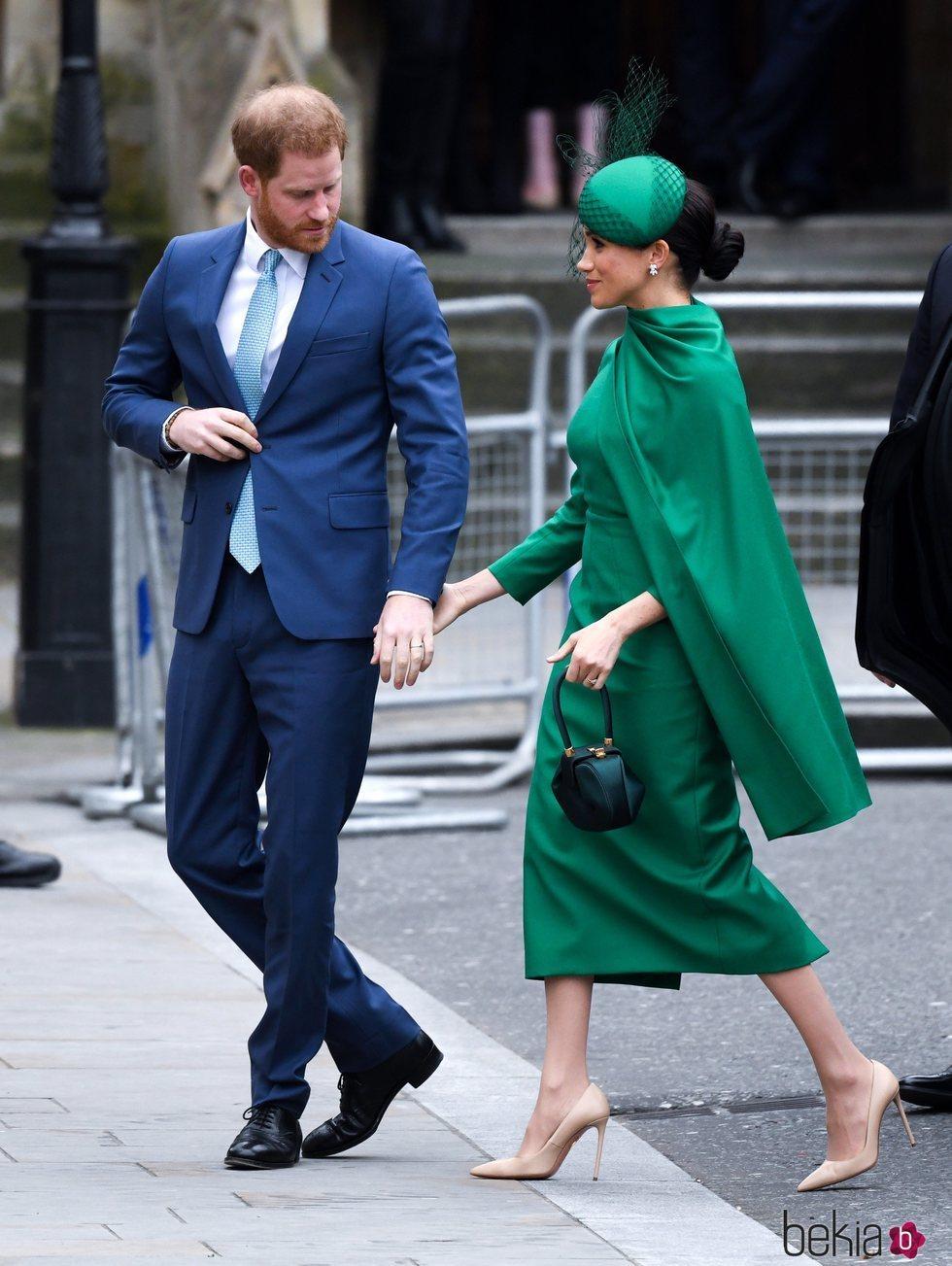 El Príncipe Harry, pendiente de Meghan Markle en el Día de la Commonwealth 2020