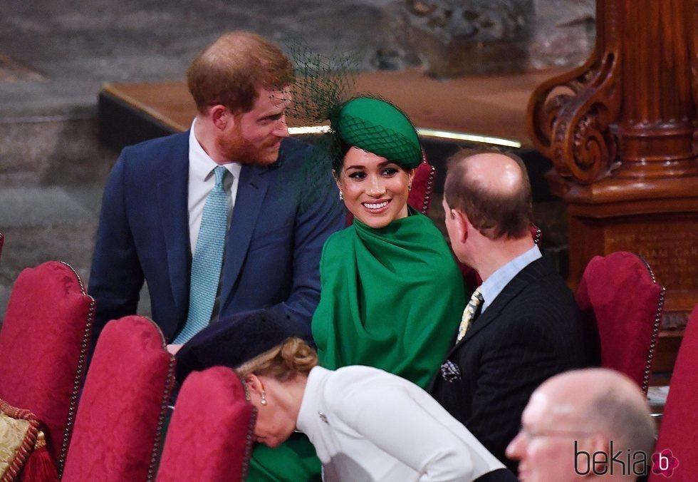 Meghan Markle charla con el Príncipe Eduardo en el Día de la Commonweath 2020