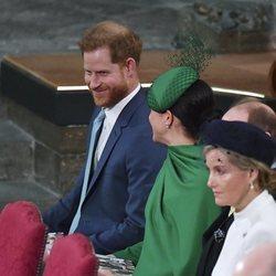 El Príncipe Harry y Meghan Markle bromean en el Día de la Commonwealth 2020