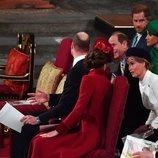 Los Duques de Cambridge hablan con los Condes de Wessex junto a los Duques de Sussex en el Día de la Commonwealth 2020