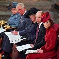 La Reina Isabel, el Príncipe Carlos, Camilla Parker, el Príncipe Guillermo y Kate Middleton en el Día de la Commonwealth 2020
