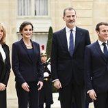 Los Reyes Felipe y Letizia con Emmanuel Macron y Brigitte Macron en el Elíseo para un almuerzo