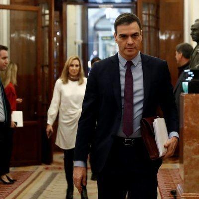 Pedro Sánchez llegando al Congreso de los Diputados tras decretar el estado de alarma
