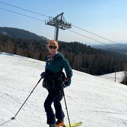 Mette-Marit de Noruega esquiando durante la cuarentena