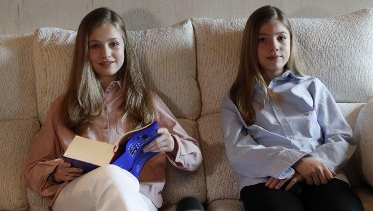 La Princesa Leonor y la Infanta Sofía en la lectura virtual de 'El Quijote'