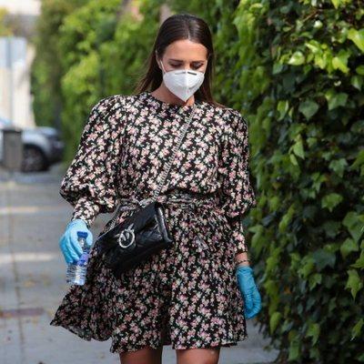 Paula Echevarría sale de la peluquería con mascarilla durante el estado de alarma
