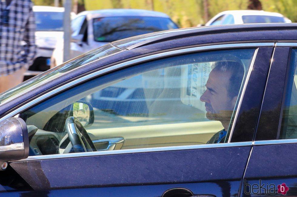 Alessandro Lequio llegando a casa de Ana Obregón tras el entierro de su hijo Álex Lequio