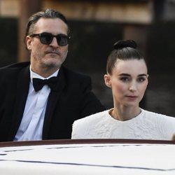 Joaquin Phoenix y Rooney Mara en el Festival de Venecia 2019