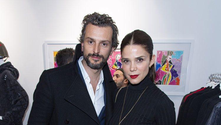 Juana Acosta con el empresario francés Charles Alazet