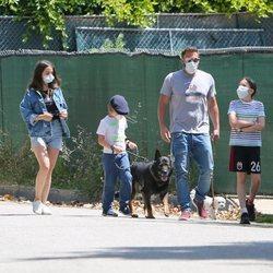 Ana de Armas de paseo con Ben Affleck y sus hijos