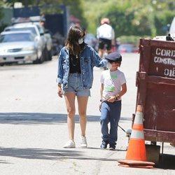 Ana de Armas paseando con un hijo de Ben Affleck
