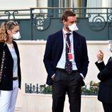 Pierre Casiraghi y Beatrice Borromeo con mascarilla en su reaparición tras el confinamiento