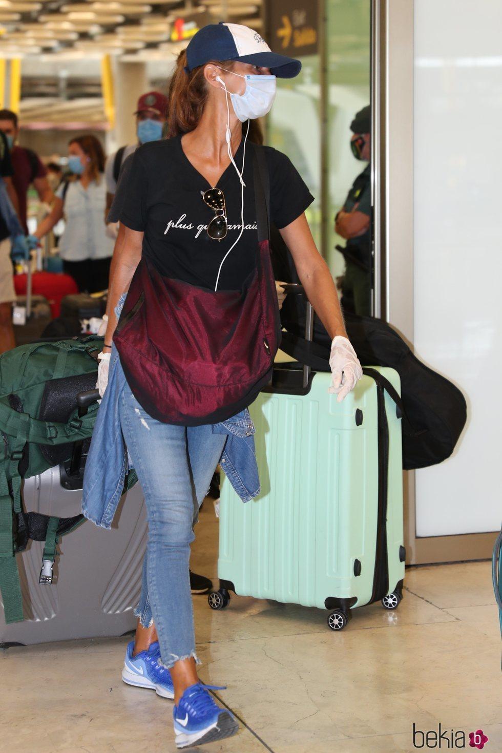 Elena en el aeropuerto a su llegada de Honduras tras 'SV 2020'