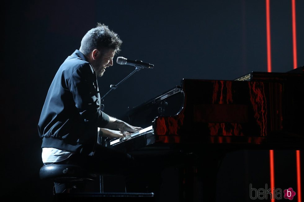 Pablo López cantando durante la gala 11 de 'OT 2020'