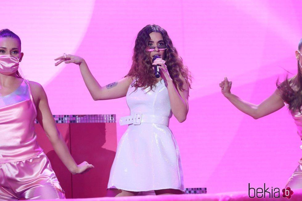 Anaju actuando en la final de 'OT 2020'