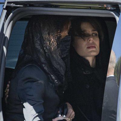 Carolina de Mónaco y Carlota Casiraghi en el funeral de Elizabeth Anne de Massy