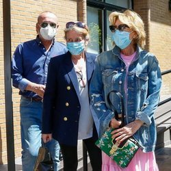 Mila Ximénez con sus hermanos tras anunciar que padece cáncer