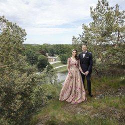 Victoria y Daniel de Suecia posan por sus 10 años de casados