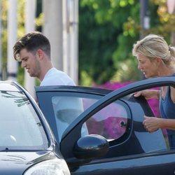 Ana Duato recogiendo a Miguel Bernardeau a su llegada a Ibiza