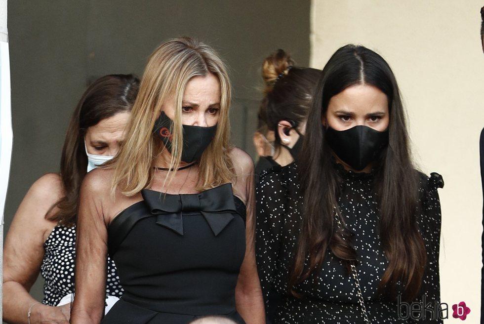 Ana Obregón y Carolina Monje en el funeral de Álex Lequio en Madrid