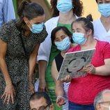 La Reina Letizia durante su visita a ASPADEC en Cuenca
