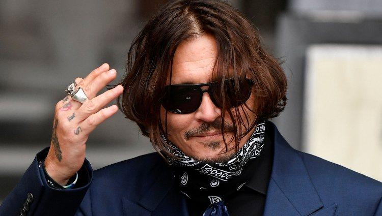 Johnny Depp acude al juicio contra The Sun por acusarle de malos tratos hacia Amber Heard