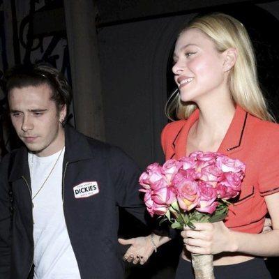 Brooklyn Beckham y Nicola Peltz saliendo de cenar de un restaurante de Los Ángeles
