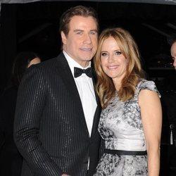 John Travolta y Kelly Preston muy cariñosos la noche de los Globos de Oro 2017