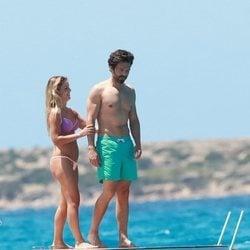Alejandra Onieva y Sebastian Stan de vacaciones en Ibiza