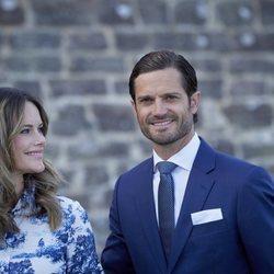 Sofía de Suecia mira con ternura a Carlos Felipe de Suecia