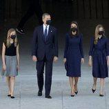 Los Reyes Felipe y Letizia, Leonor y Sofía durante llegan al homenaje de Estado por las víctimas del coronavirus