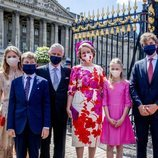 Los Reyes Felipe y Matilde de Bélgica con sus hijos en el desfile del Día Nacional de Bélgica 2020